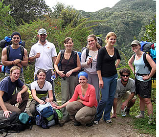 Habla Ya group on a guided tour to the top of the Volcan Baru